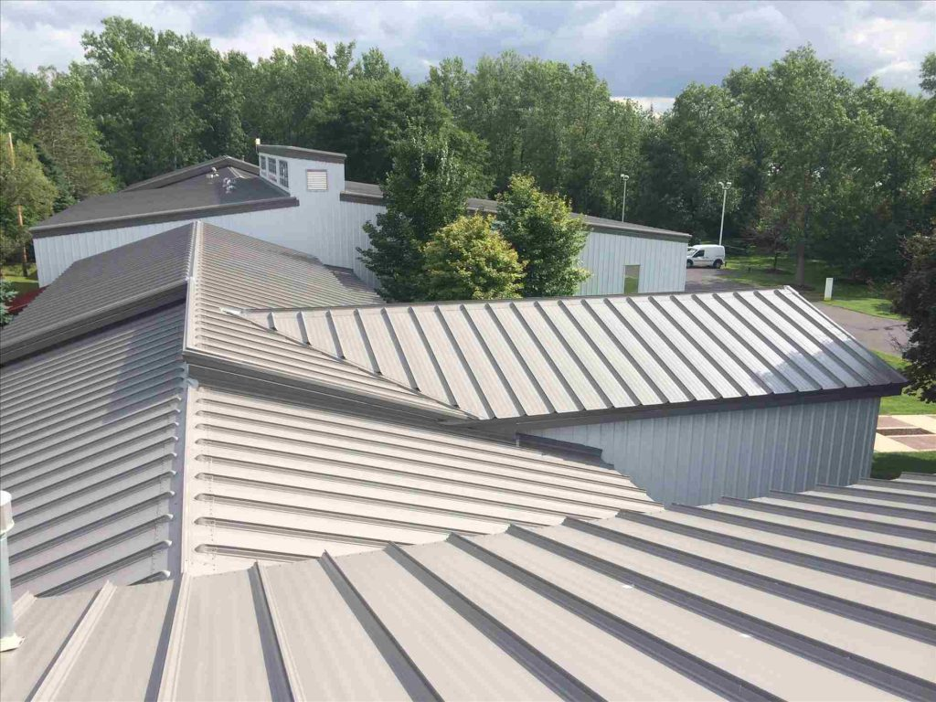 A metal roof is a roofing system made from metal pieces